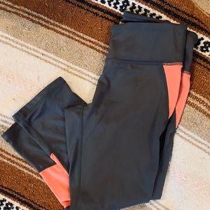 Reebok Capri active wear work out leggings